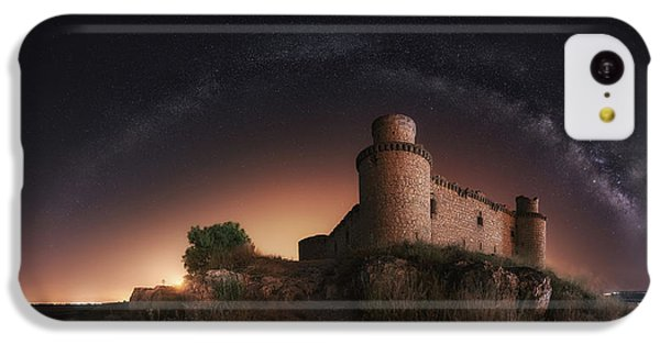 Castle iPhone 5c Case - Night In The Old Castle by Iv?n Ferrero
