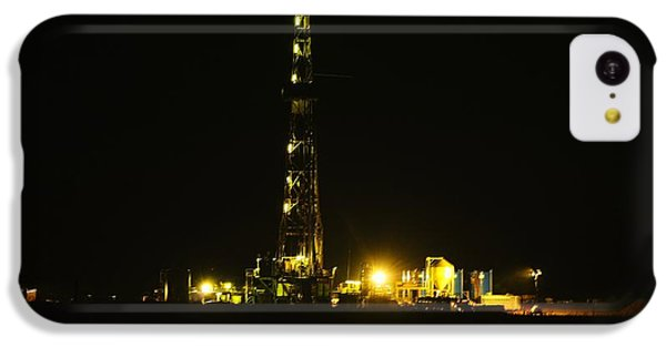 Killdeer iPhone 5c Case - Oil Rig by Jeff Swan