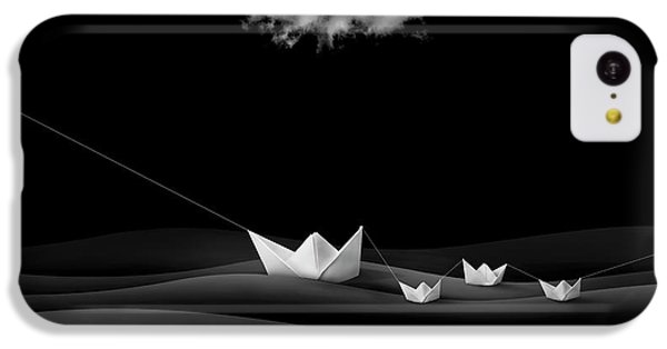 Dove iPhone 5c Case - Paper Boats by Sulaiman Almawash