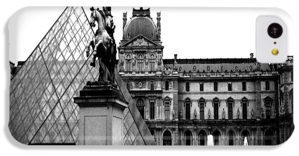 Louvre iPhone 5c Case - Paris Black And White Photography - Louvre Museum Pyramid Black White Architecture Landmark by Kathy Fornal