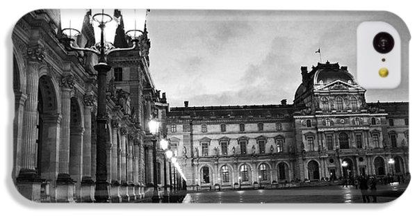 Paris Louvre Museum Lanterns Lamps - Paris Black And White Louvre Museum Architecture IPhone 5c Case