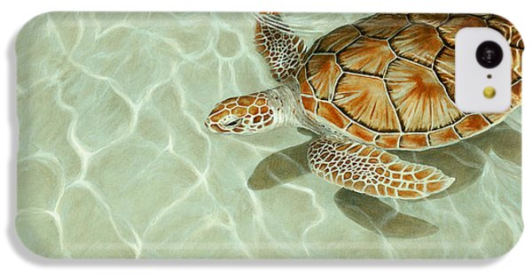 Patterns In Motion - Portrait Of A Sea Turtle IPhone 5c Case by Rob Dreyer