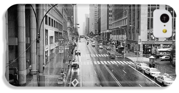 IPhone 5c Case featuring the photograph Pershing View 42nd Street Nyc by Dave Beckerman