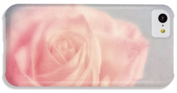 Rose iPhone 5c Case - pink moments I by Priska Wettstein