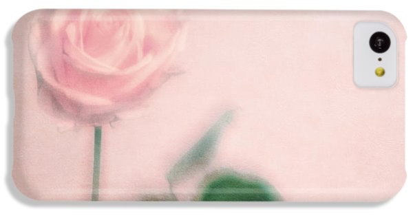 Valentines Day iPhone 5c Case - pink moments II by Priska Wettstein