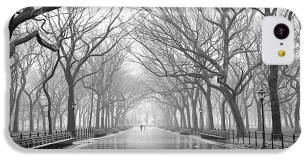 New York City - Poets Walk Central Park IPhone 5c Case by Dave Beckerman