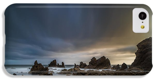 Planets iPhone 5c Case - Rocky Southern California Beach 3 by Larry Marshall