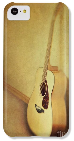 Guitar iPhone 5c Case - Silent Guitar by Priska Wettstein