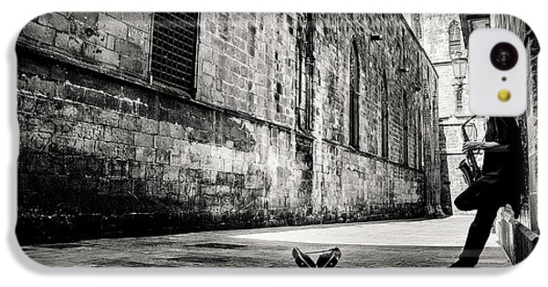 Saxophone iPhone 5c Case - Silent Street by Gertjan Van Geerenstein