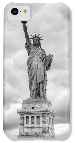 IPhone 5c Case featuring the photograph Statue Of Liberty Full by Dave Beckerman