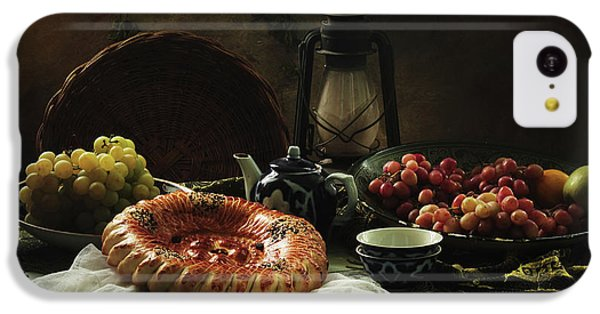 Fruit Bowl iPhone 5c Case - Stilllife  With Cake And Grapes by Ustinagreen