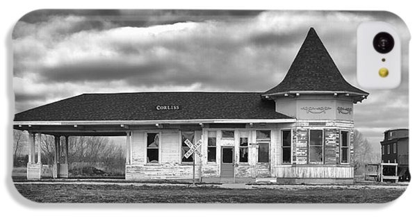 IPhone 5c Case featuring the photograph Sturtevant Old Hiawatha Depot by Ricky L Jones