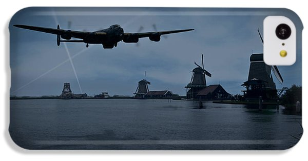 Dambusters Lancaster T For Tommy En Route To The Sorpe IPhone 5c Case by Gary Eason