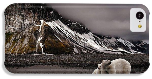 Polar Bear iPhone 5c Case - Tenderness by Mathilde Collot