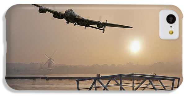 The Dambusters - Last One Home IPhone 5c Case by Gary Eason