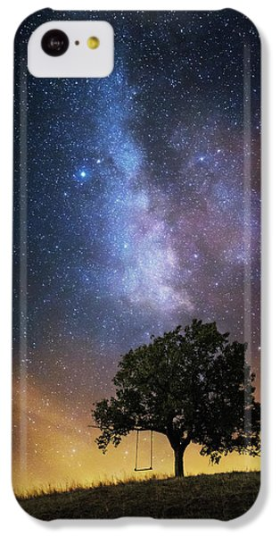 Fairy iPhone 5c Case - The Dreamer's Seat by Luk???? Ild??a