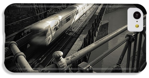 London Tube iPhone 5c Case - The Fast Line by Dragan Jovancevic