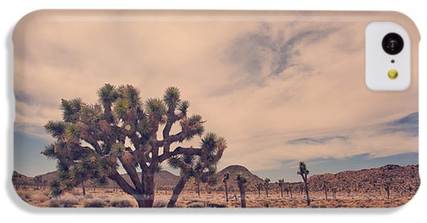 Desert iPhone 5c Case - The Feeling Of Freedom by Laurie Search