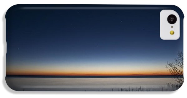 Lake Michigan iPhone 5c Case - The First Light Of Dawn by Scott Norris