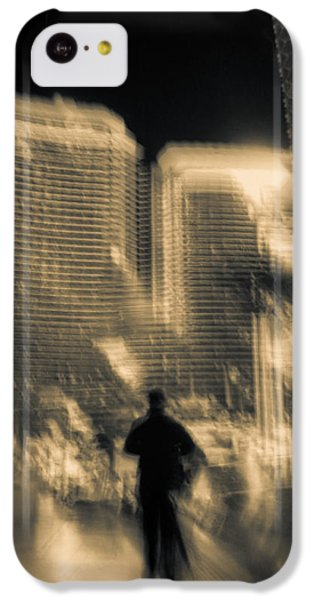 IPhone 5c Case featuring the photograph The World Is My Oyster by Alex Lapidus