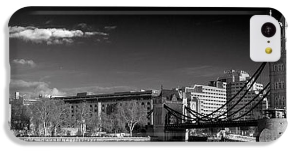 Tower Of London And Tower Bridge IPhone 5c Case by Gary Eason