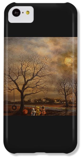 Trick-or-treat IPhone 5c Case by Tom Shropshire