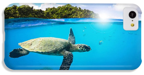 Turtle iPhone 5c Case - Tropical Paradise by Nicklas Gustafsson