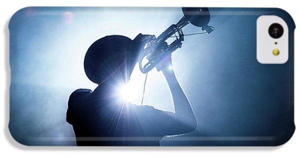 Trumpet iPhone 5c Case - Trumpet Player by Erik De Klerck