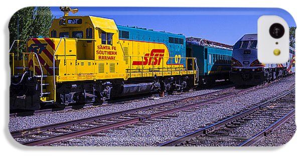 Roadrunner iPhone 5c Case - Two Trains by Garry Gay