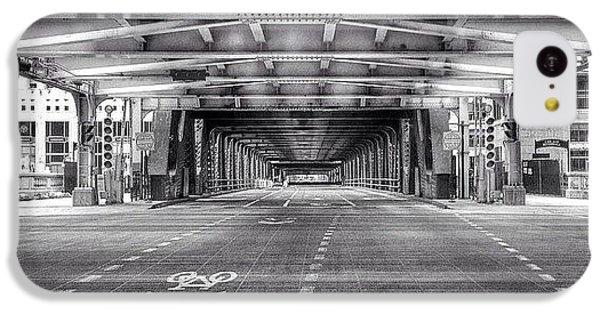 Architecture iPhone 5c Case - Chicago Wells Street Bridge Photo by Paul Velgos