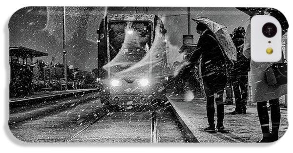 Train iPhone 5c Case - Untitled by Maciej Przeklasa