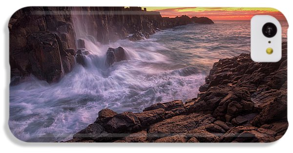 Flow iPhone 5c Case - Wall By The Sea by Joshua Zhang