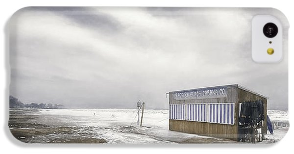 Lake Michigan iPhone 5c Case - Winter At The Cabana by Scott Norris