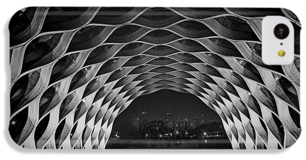 Wooden Archway With Chicago Skyline In Black And White IPhone 5c Case
