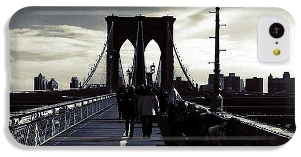 City iPhone 5c Case - Afternoon On The Brooklyn Bridge by Luke Kingma