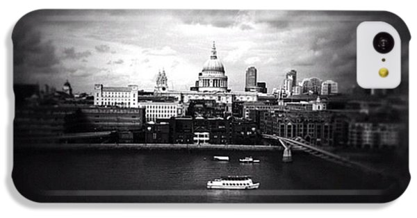Back In London IPhone 5c Case by Ritchie Garrod