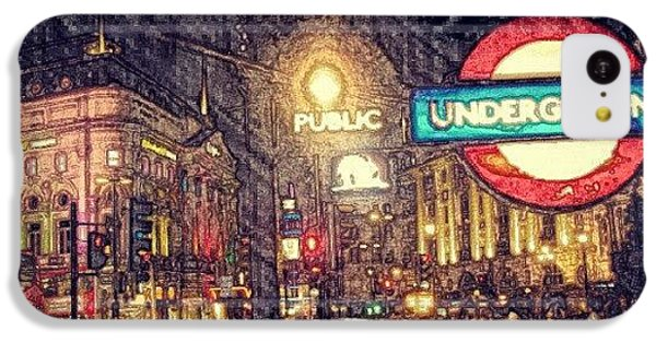London iPhone 5c Case - How London Looks Like At Night? May by Abdelrahman Alawwad