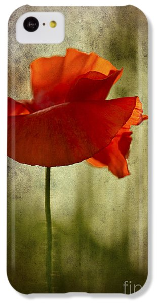 Moody Poppy. IPhone 5c Case by Clare Bambers - Bambers Images