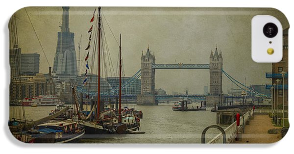 Moored Thames Barges. IPhone 5c Case by Clare Bambers