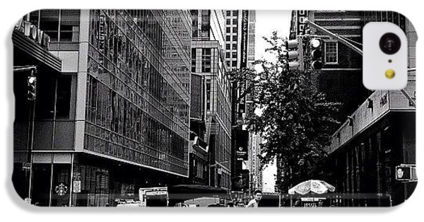 New York City Flow Of Life IPhone 5c Case by Vivienne Gucwa