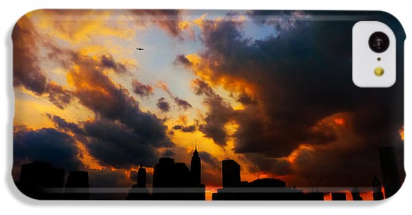 City Sunset iPhone 5c Case - New York City Skyline At Sunset Under Clouds by Vivienne Gucwa