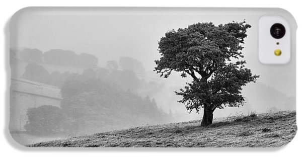Oak Tree In The Mist. IPhone 5c Case by Clare Bambers