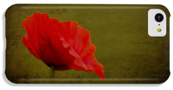 Solitary Poppy. IPhone 5c Case by Clare Bambers
