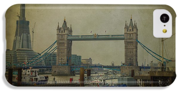 Tower Bridge. IPhone 5c Case by Clare Bambers