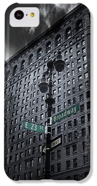 IPhone 5c Case featuring the photograph Flatiron Noir by Jessica Jenney