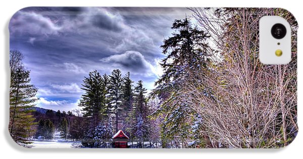 IPhone 5c Case featuring the photograph The Beaver Brook Boathouse by David Patterson