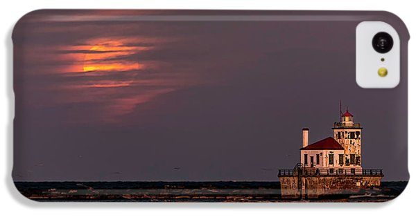 A Moonsetting Sunrise IPhone 5c Case