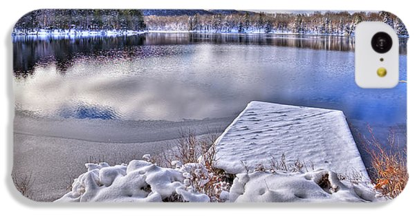 IPhone 5c Case featuring the photograph A Winter Day On West Lake by David Patterson
