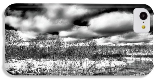 IPhone 5c Case featuring the photograph A Winter Panorama by David Patterson