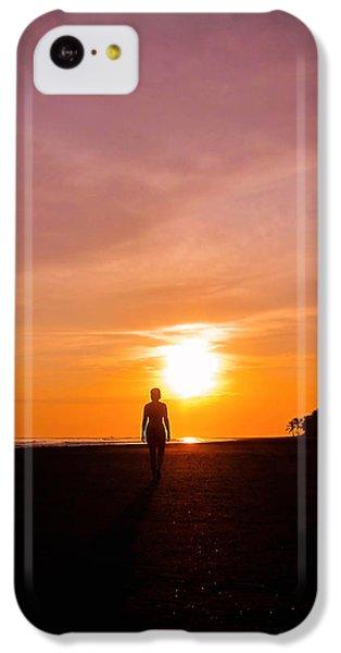 Beach Sunset iPhone 5c Case - Sunset Walk by Nicklas Gustafsson